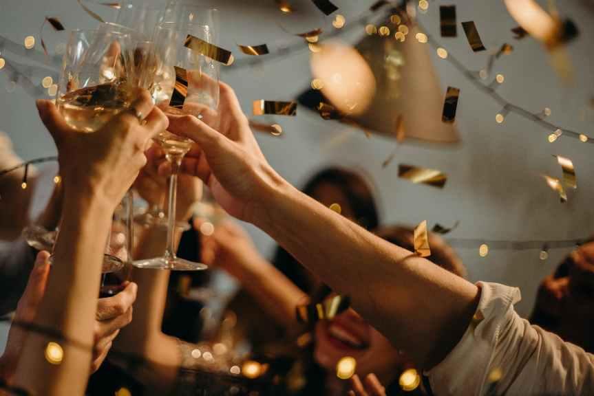 NEW YEAR'S CELEBRATIONS AROUND THEWORLD