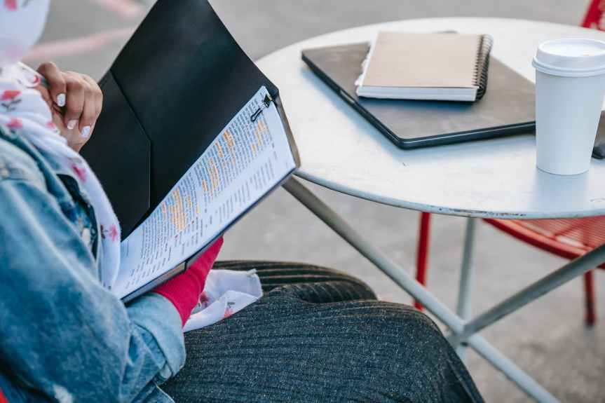 5 PART-TIME JOBS FOR COLLEGESTUDENTS
