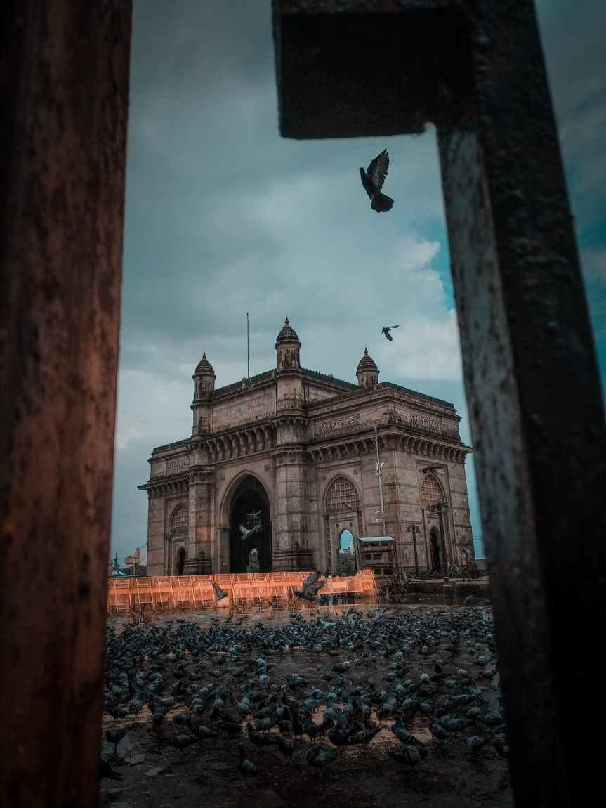 COLONIAL ARCHITECTURE AND THE MODERN PERIOD OFINDIA